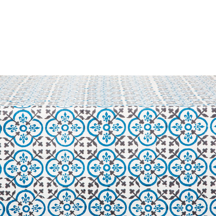 "Aquatro Tablecloth (106"" x 67"")"