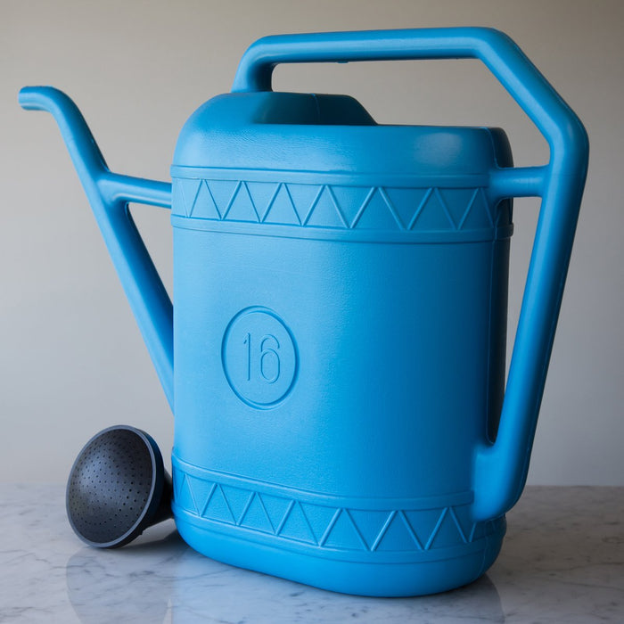 Blue Plastic Watering Can *Made in the Netherlands (16 Liters)
