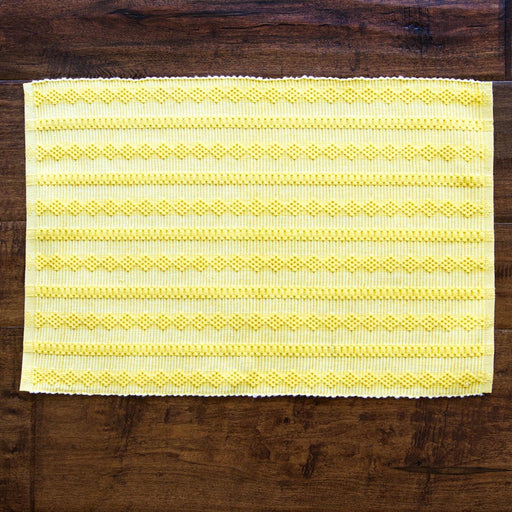 "Daffodil & White Fill 100% Cotton Rep Weave Placemat (19.25"" x 13"")"