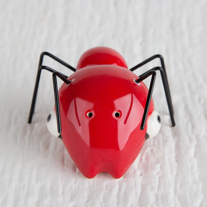 Magnetic Ant Salt and Pepper Shaker