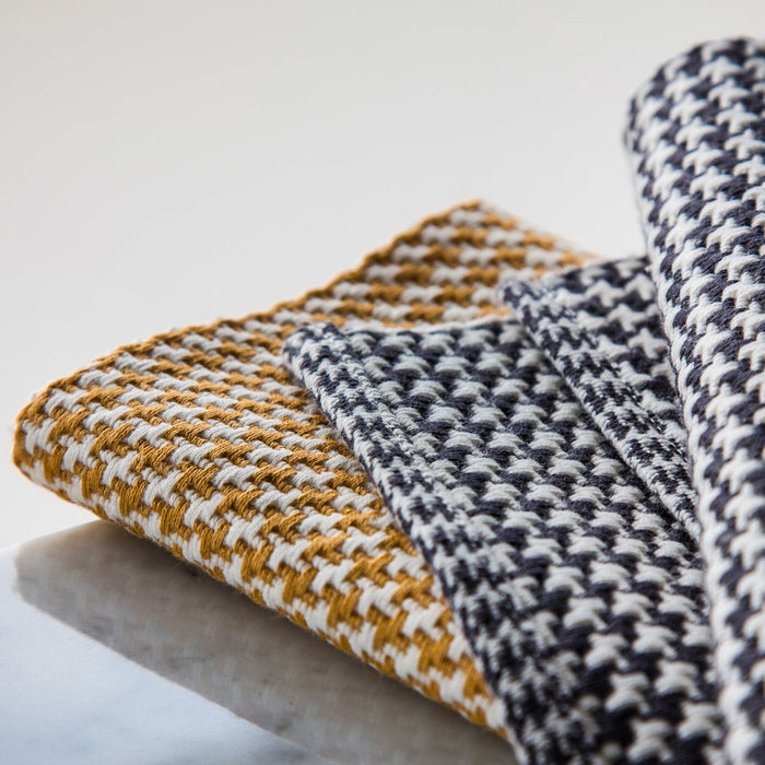 "Squash Yellow 100% Cotton Woven Houndstooth Placemat (19.25"" x 13"")"