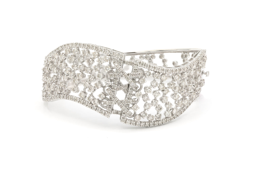 10 CT. Diamond Bangle Bracelet