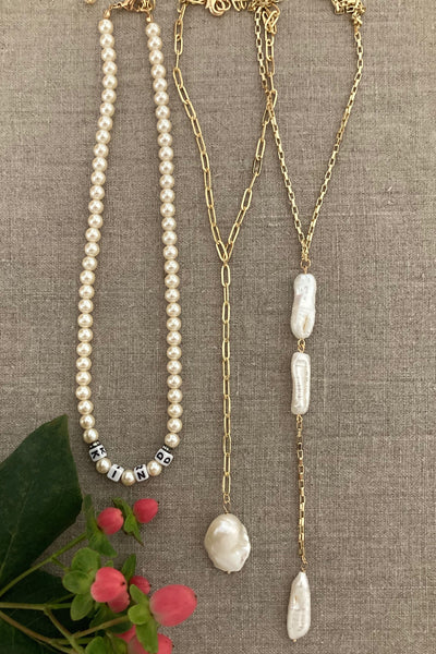 Kind pearl necklace with 2 peal necklace set. Pop Renaissance Collection