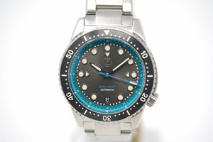 Pre-Owned Zelos Mako V2 Diver Ocean Teal with Two Straps and Bracelet
