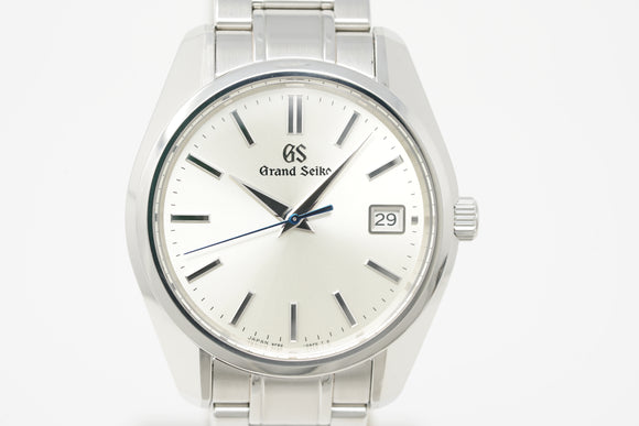 Grand Seiko 9F Quartz SBGV205 with Strap and Bracelet