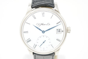 H. Moser & Cie 18K White Gold Venturer Big Date Roman Dial Watch 2100-0200