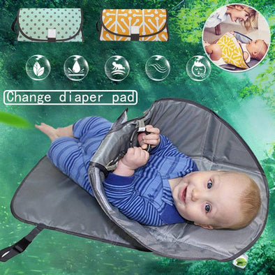 No Mess Diaper Changing Clutch-snoofybee dirty diaper changing pad hands clean waterproof portable pamper clutch-The Exceptional Store