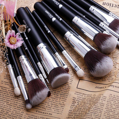Cosmetics Professional Makeup Brush Set-15 piece makeup brush set with carrying case women beauty makeup cosmetics makeup brushes lipstick eye shadow blush concealer foundation highlighter contour beautiful-The Exceptional Store