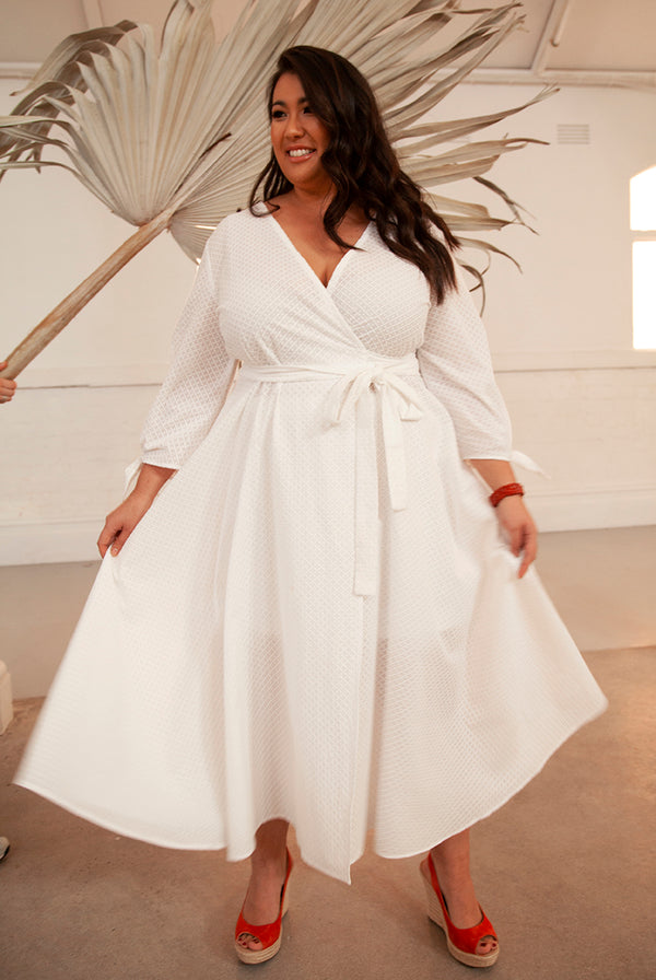 PLUS SIZE BOUTIQUE FASHION - JULES WRAP DRESS