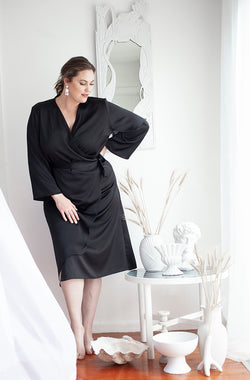 CURVY FASHION - TIPPY WRAP DRESS