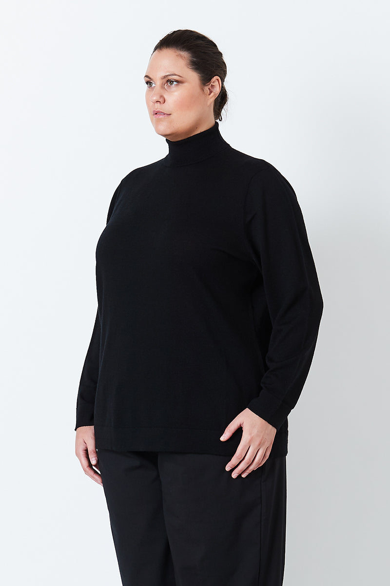 PLUS-SIZE FASHION - GABBI TURTLE NECK JUMPER