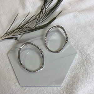 Yolanda Hoop Earrings (Silver)