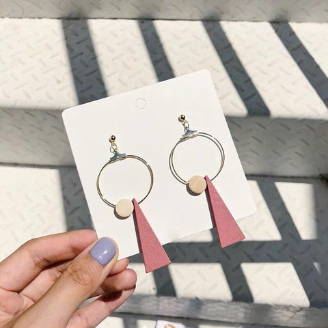 Kelcy Wood Dangle Earrings (Pink)