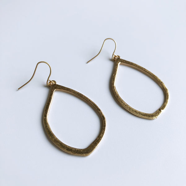 Dione Earrings (Gold)