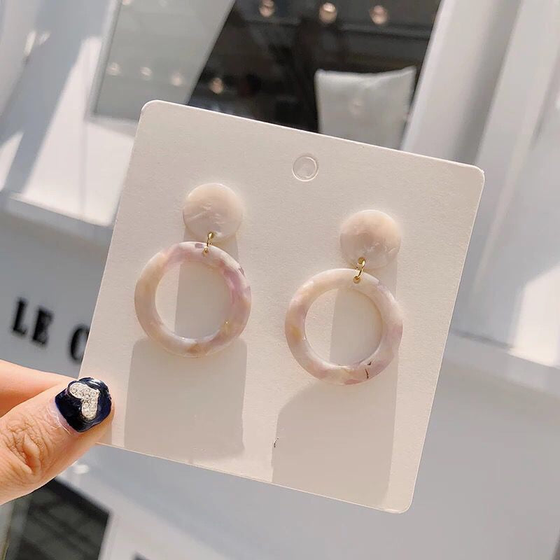 Gem Acrylic Dangle Earrings (Cream)