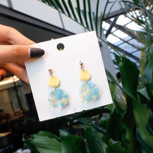 Jia Acrylic Dangle Earrings (Yellow)