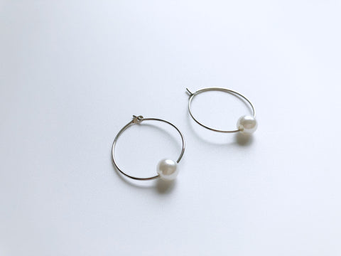 Dorel Petite Hoop Earrings (Silver)