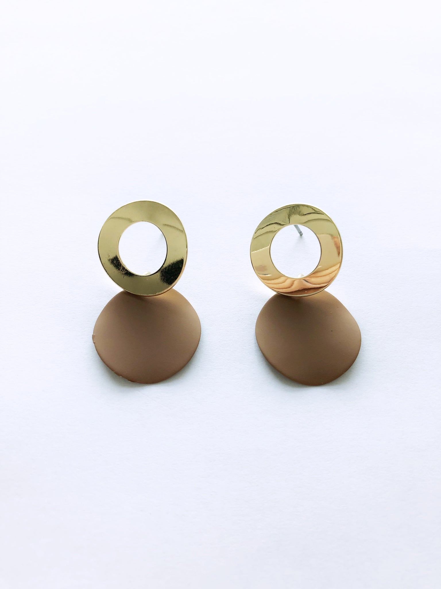 Maia Leon Earrings (Tan)