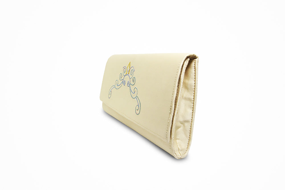 Nettle plant cream white wallet with traditional motif