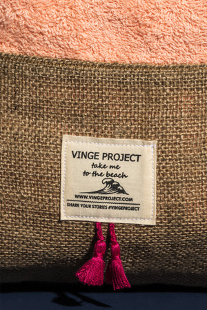 peekaboo_beach_bag_vingeproject