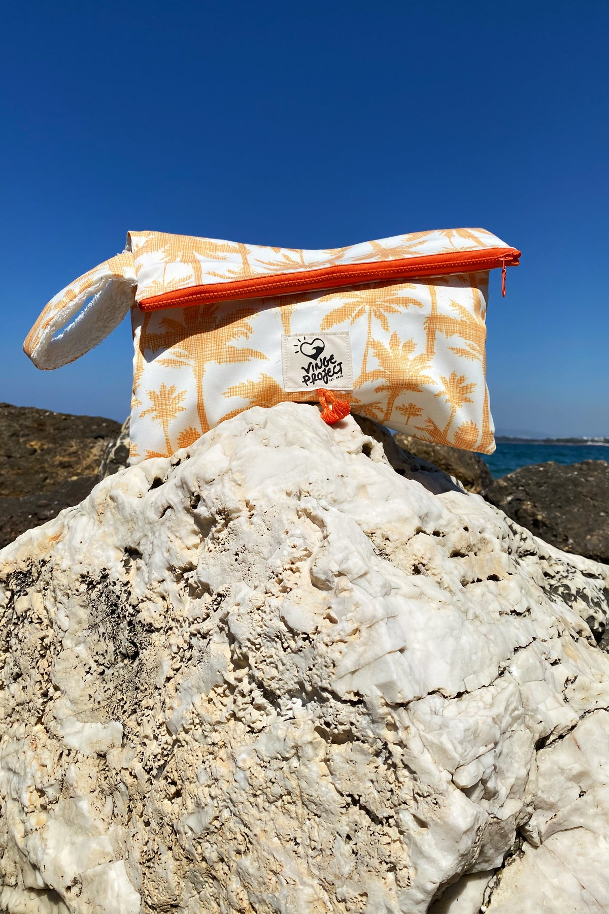 Sol 𝐁𝐢𝐠 Waterproof Clutch Bag