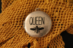 "La Bella Bee ""Queen"" Honey Bee Vintage Photo Locket Necklace Pendant"