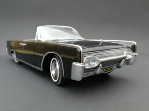 MC1002 - 1961 Lincoln Continental