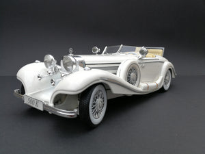 1936 Mercedez Benz 500K special roadster Diercast car. Scale: 1/18. White. 45 degree view.