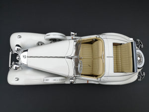 1936 Mercedez Benz 500K special roadster Diercast car. Scale: 1/18. White. View from the top.
