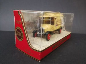 "Matchbox Models of Yesteryear Y21, 1926 Ford Model ""TT"", comes with box, color cream and red, 45 degree view"