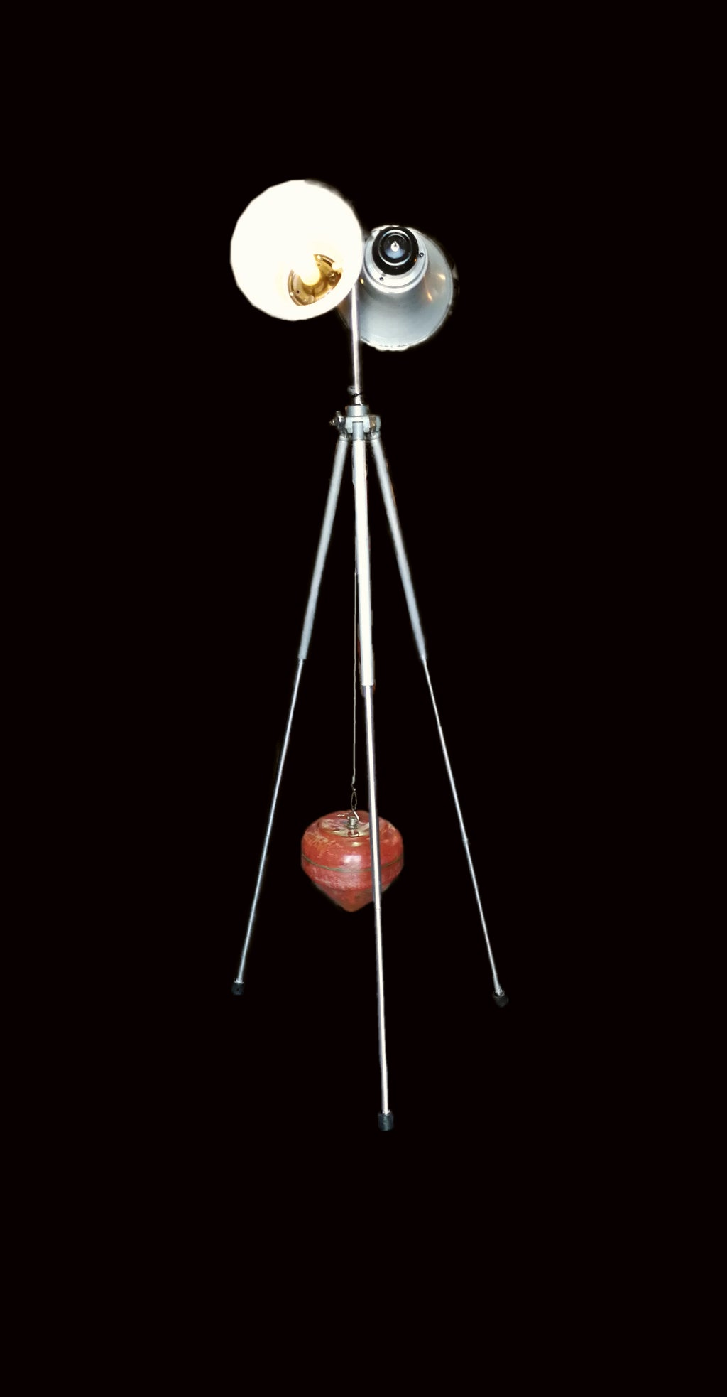 Tripod floor lamp with two lights front view