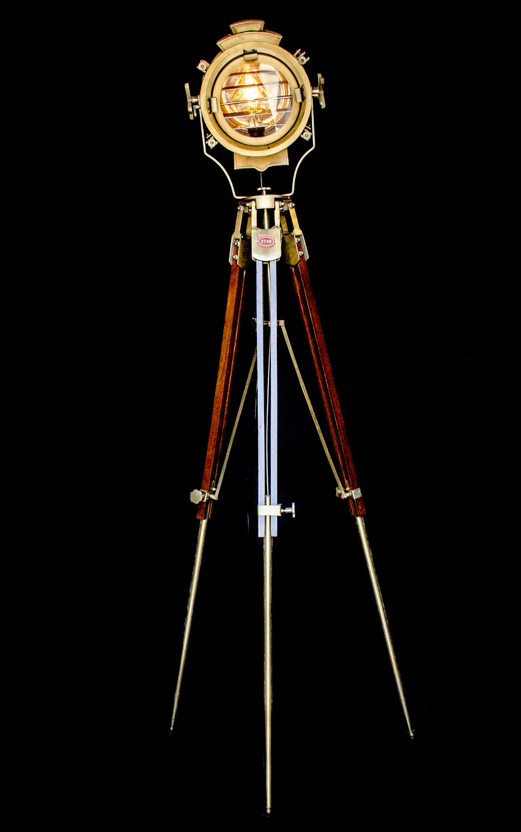 Tripod light front view