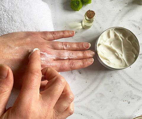Beauty Kubes plastic free hand and body cream for dry. hands