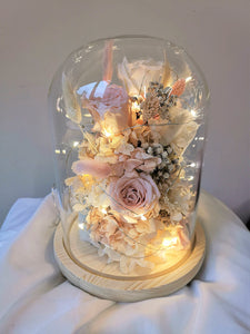 Fleuriste bouquet bell jar preserved flowers roses hydrangea fairy lights everlasting love