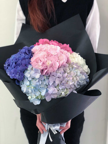 Fleuriste bouquet flowers hydrangea black elegant pink blue purple lilac-1