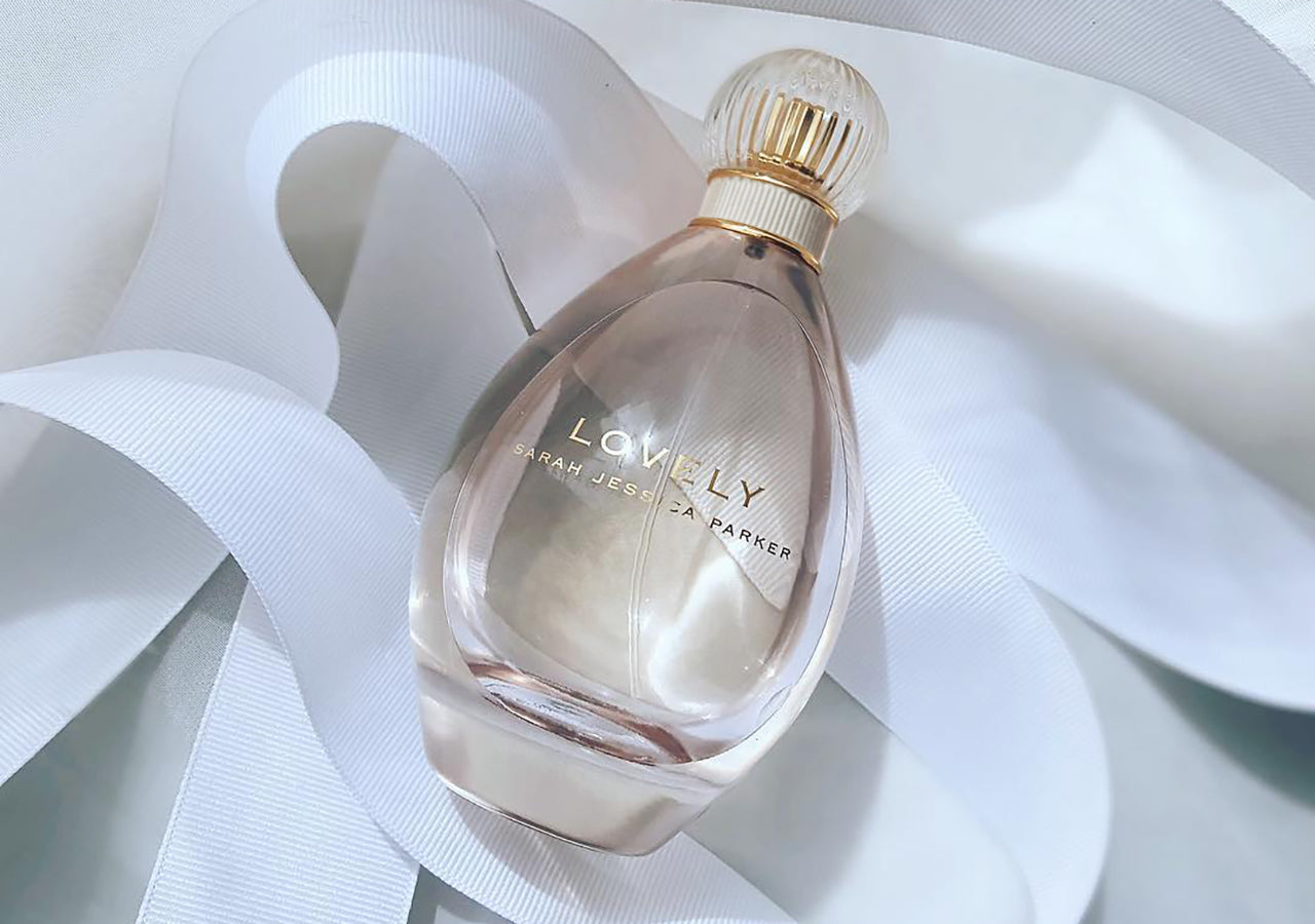 Lovely Eau de Parfum Spray slideshow image