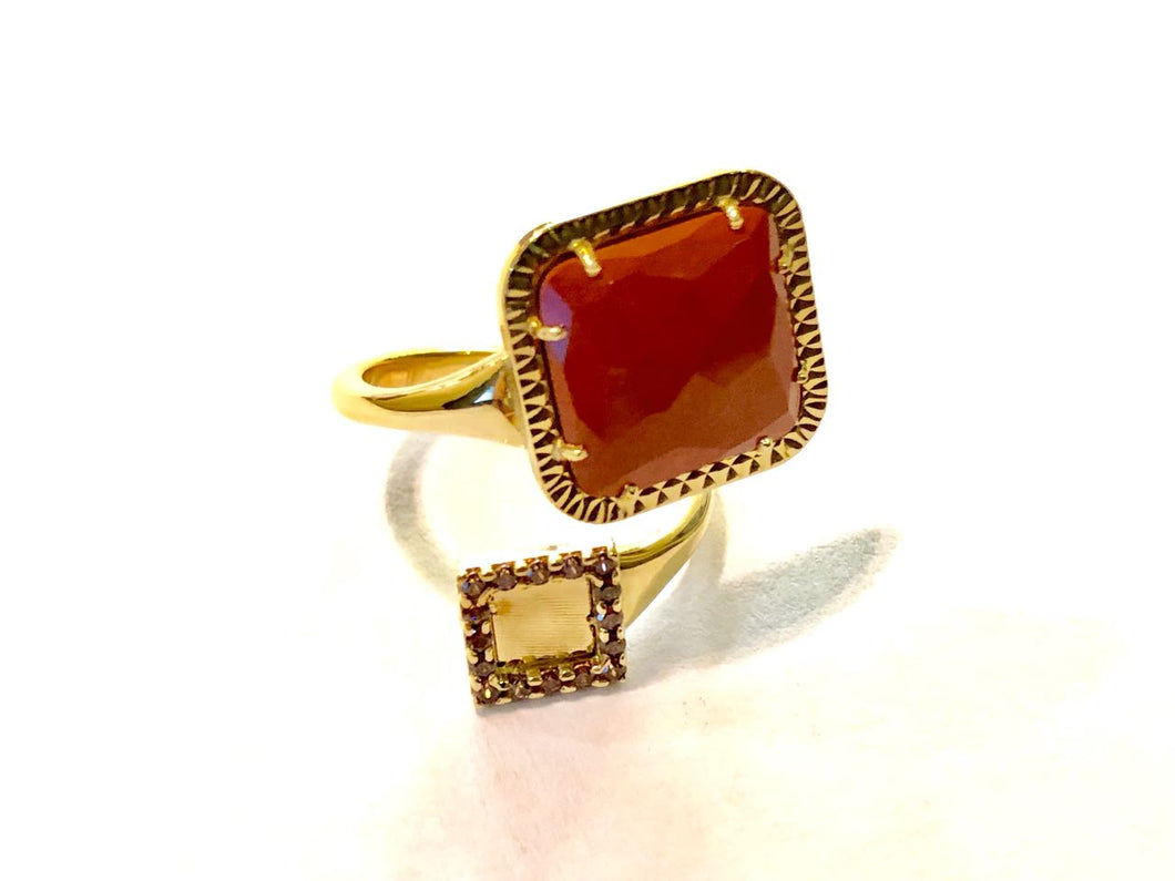 Ring 18k Gold with Coral Fiorella