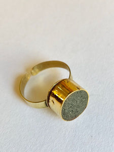 Ring Concrete (béton) Round Gold Plume Collection