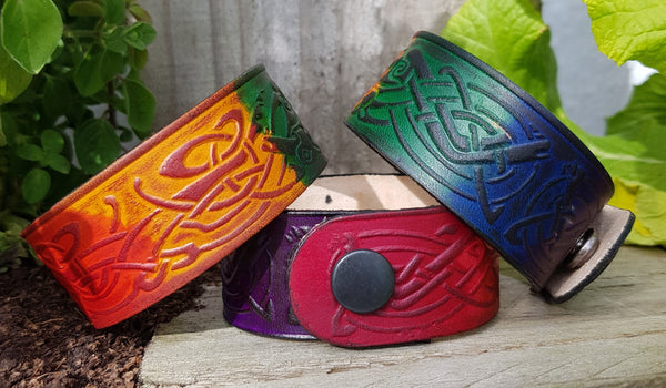 Wide Leather wristband rainbow