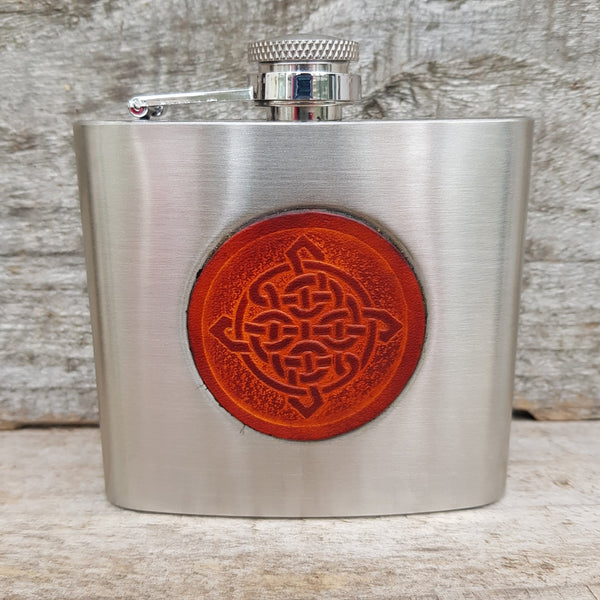 Stainless steel hip flask with celtic knot in tan