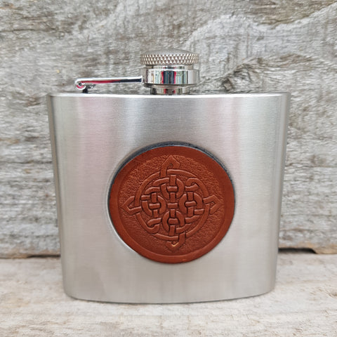 5oz stainless steel hip flask with brown celtic knot