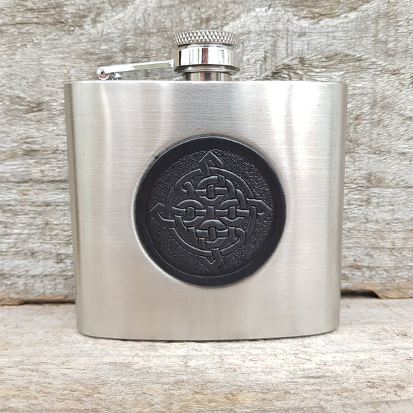 5oz stainless steel hip flask with black celtic knot