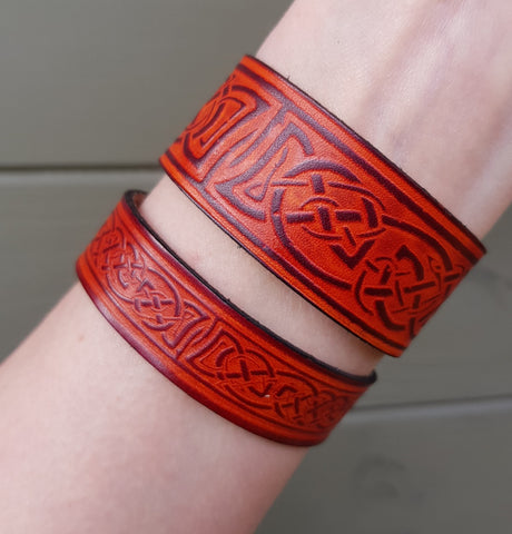 Wide and Narrow Tan leather wristband on wrist