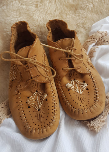 Vintage leather embroidered Moccasins size EUR 39