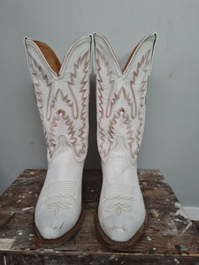 Old West Western cowboy boots in white size Aus 8 or near