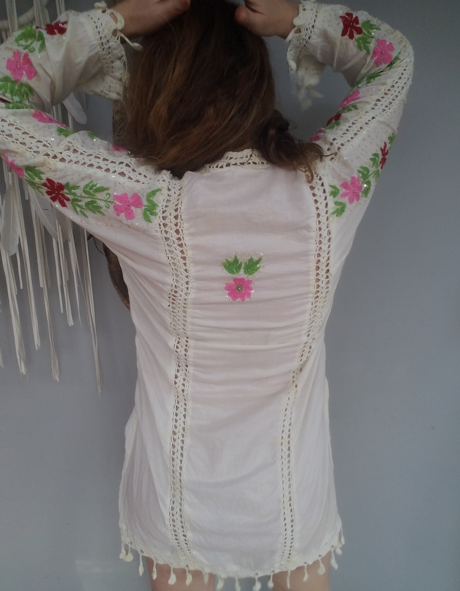 Embroidered Vintage Tunic Dress with crochet detail S