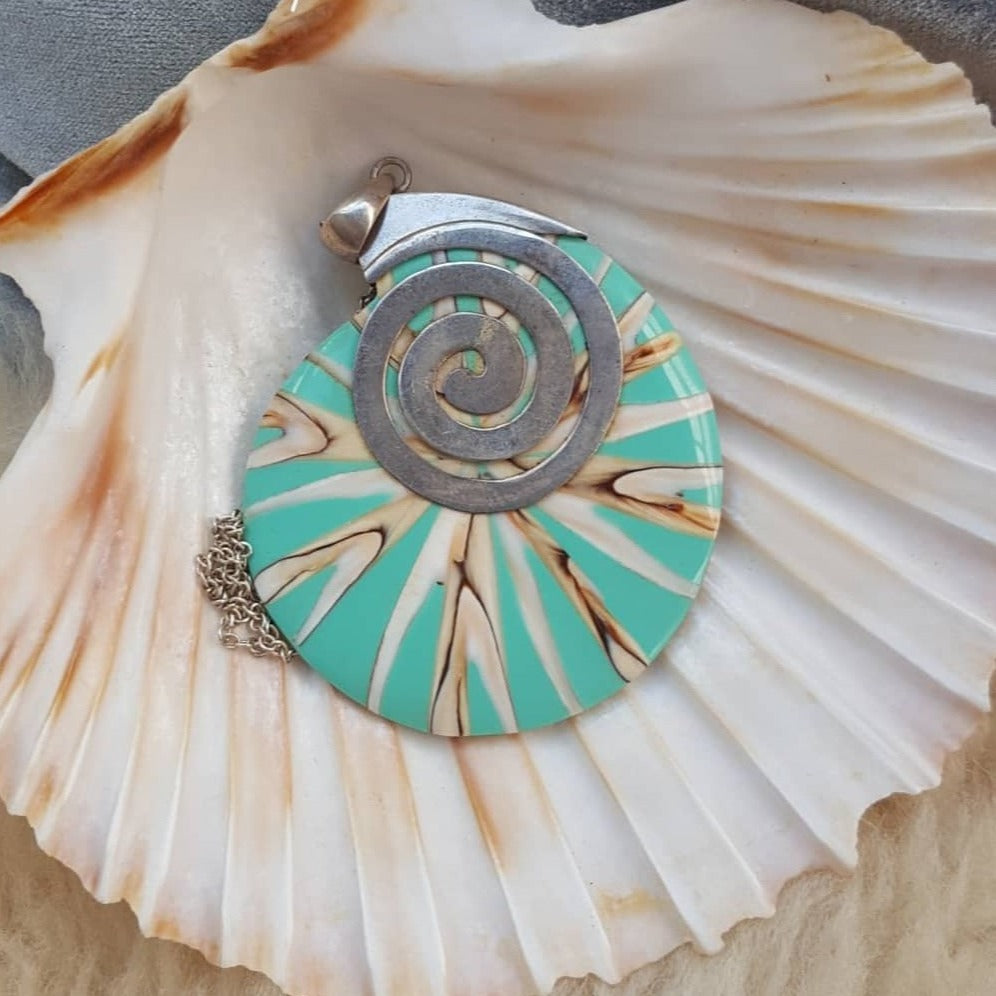 Sea shell Tourquise sterling silver necklace