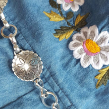 "Chasing Unicorns on Instagram: ""Cropped chambray + embroidered daisies in the winter sunshine"