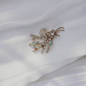 vintage gold Diamond brooch