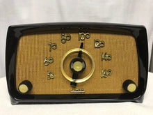Vintage Arvin model 651T retro tube radio